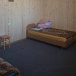 номер для четырех человек,2 кровати+двухспальный диван